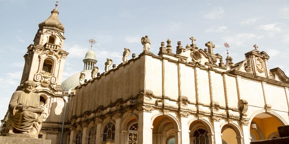 Cathédrale De La Sainte Trinité à Addis Abeba